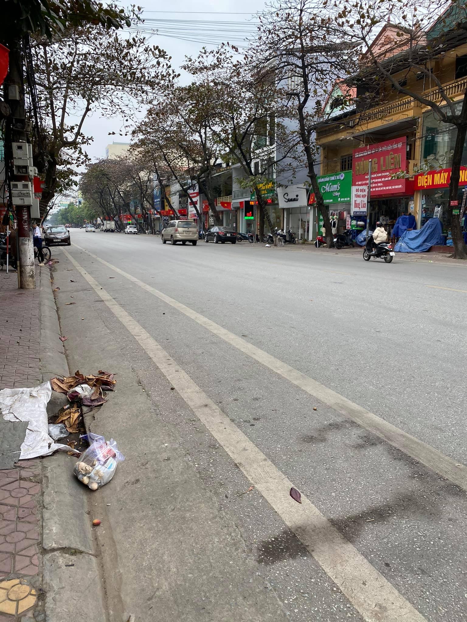 Hình ảnh Nhà đất 4 tầng đường Quang Trung, TP Tuyên Quang